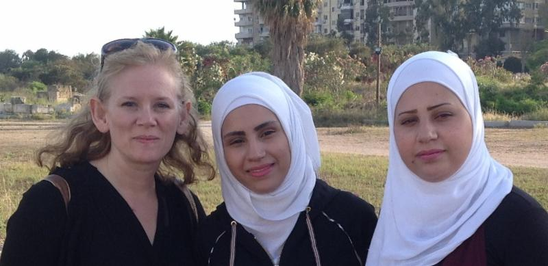 picture of women with Muslim head covering